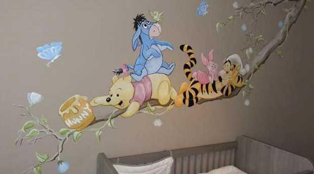 Рисунок в детской на стене